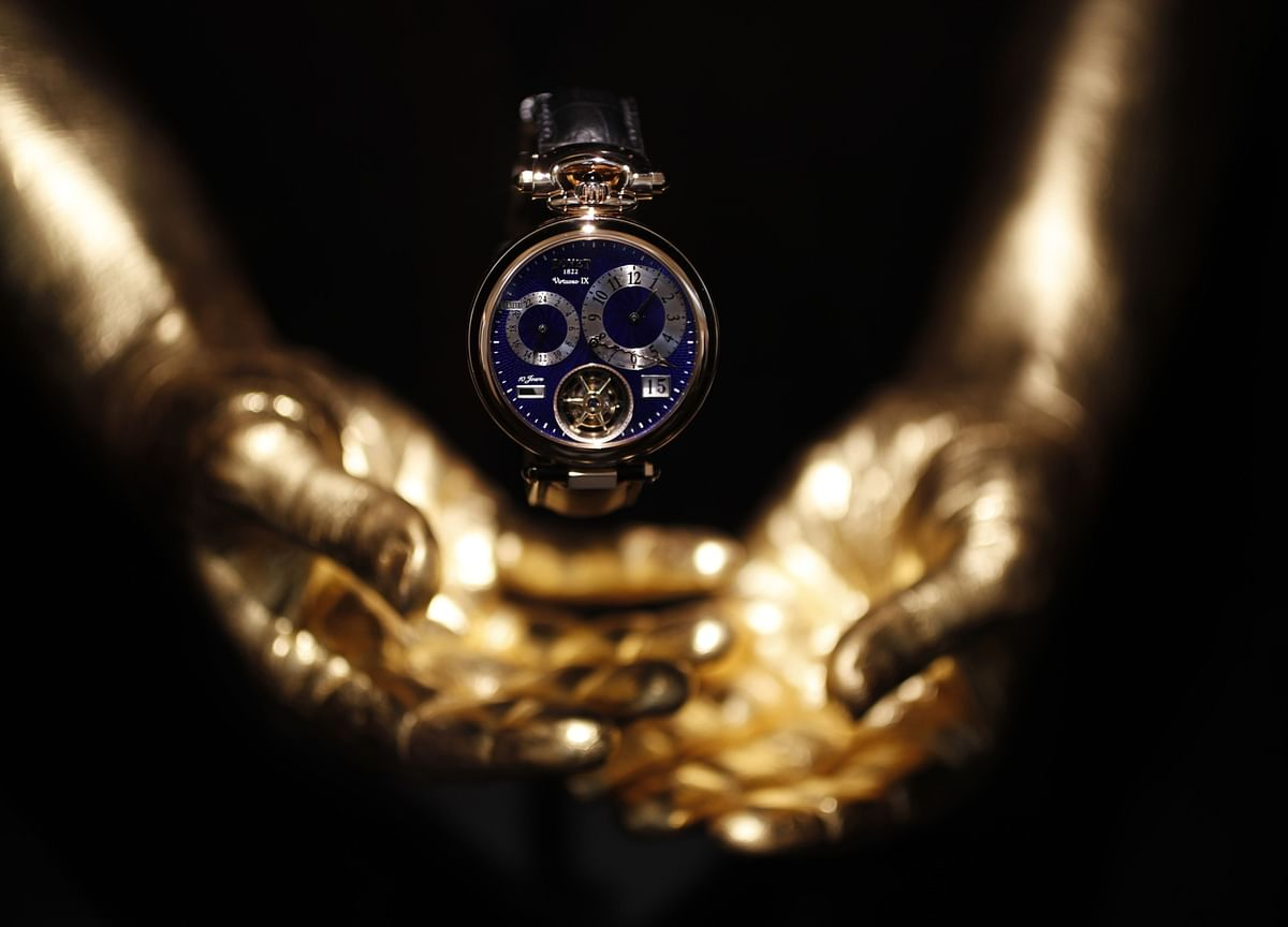 Swiss Watch Exports Decline, Leaving Industry More China-Reliant