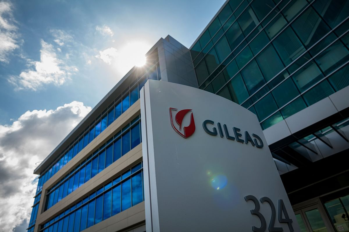 Gilead's Remdesivir Becomes First Virus Treatment to Win FDA Nod