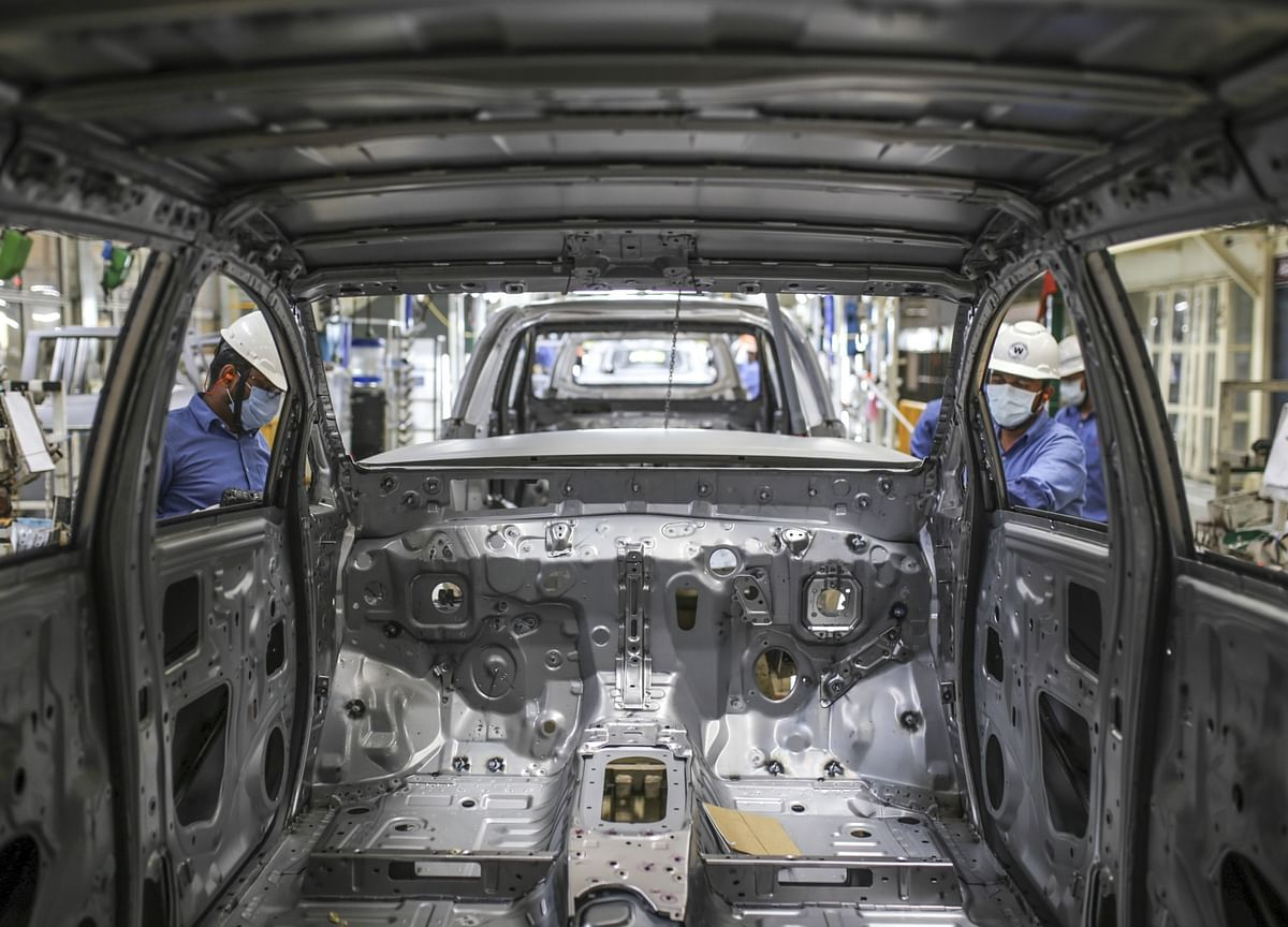 India's Industrial Output Fell 8% In August