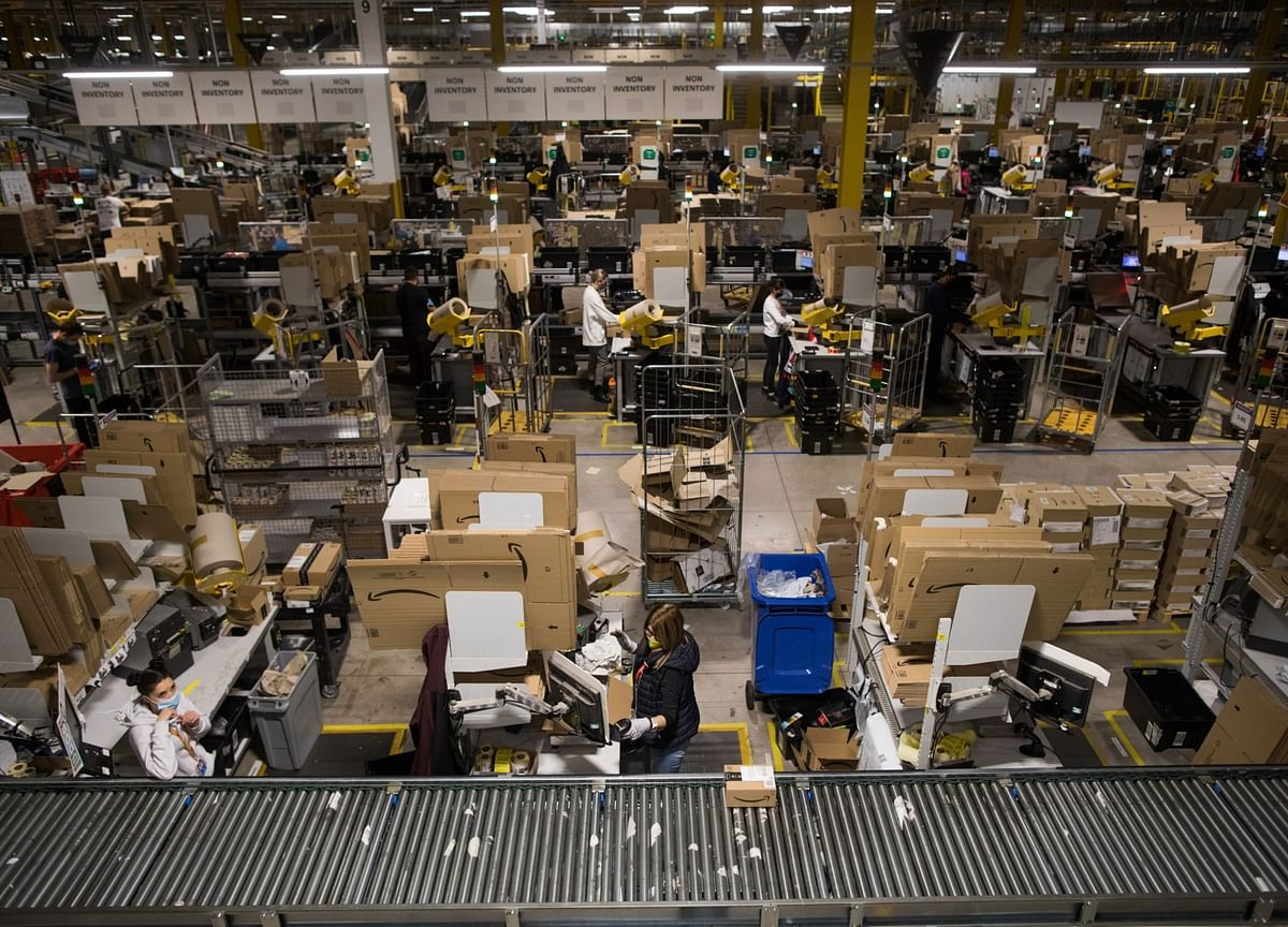 Amazon Workers Say Prime Day Rush Breaks Virus Safety Vows