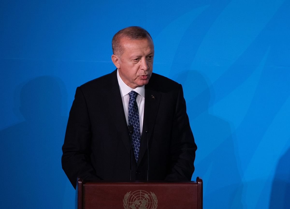 Erdogan Revives Call for Macron to Get Help as Tensions Rise
