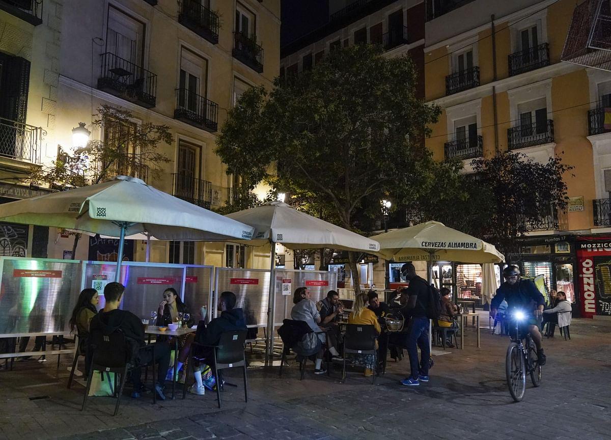 French Restaurants, Stadiums to Stay Shut Over Holiday Season
