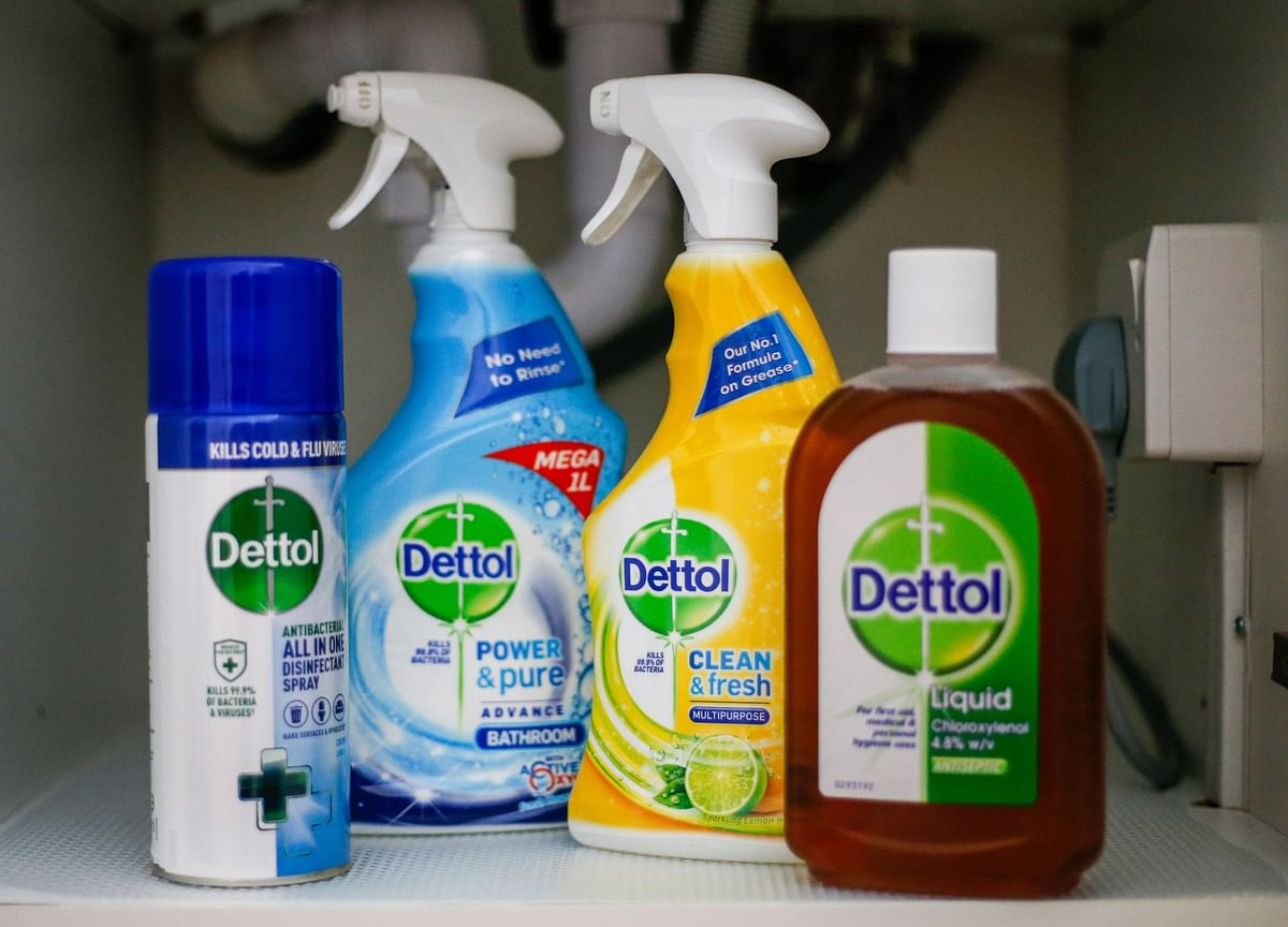 Lysol Maker Sees Fastest Growth in Decade on Disinfectants