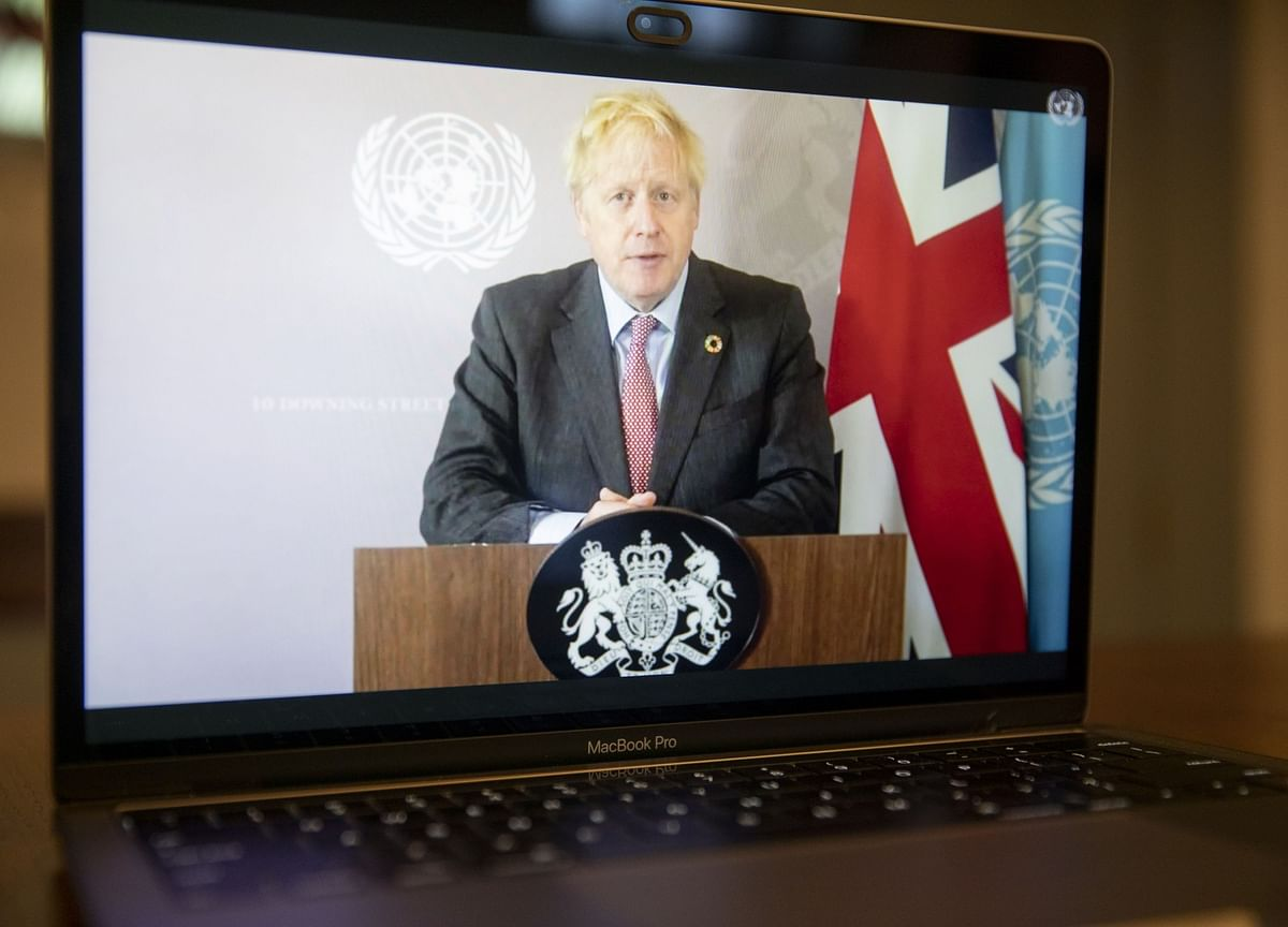 Johnson Warns Angry Britons of 'Tough Winter' in Covid Battle
