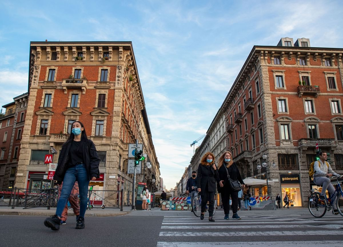 Italy to Join France and U.K. With Curbs as Cases Hit Record