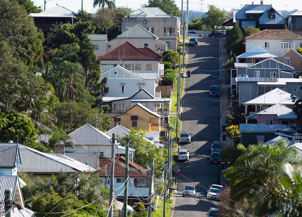 Australian Household Sentiment Soars as Optimists Now Majority