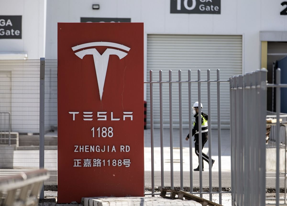 Tesla Hits Another Record as EV Mania Unleashes Sector Rally