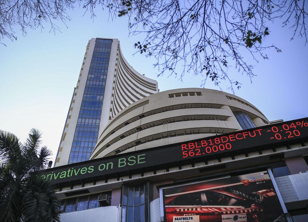 India Stocks Decline as U.S. Stimulus Concern Damps Sentiment