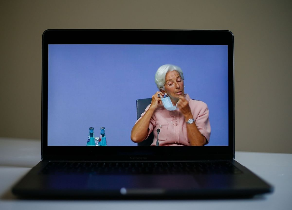 Lagarde Says Next Stimulus to Rely on Emergency QE, Loans