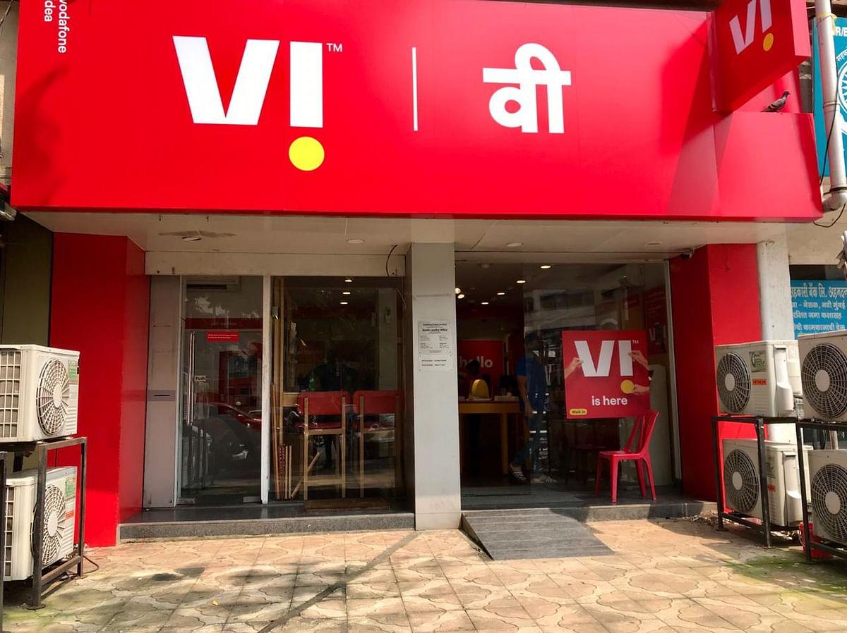 Vodafone Idea Hit By Customer Exodus in Fierce Price War: Chart
