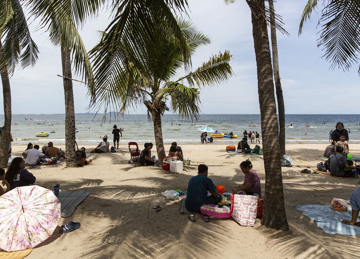 Thailand Seeks Travel Bubble Pact With China to Spur Tourism