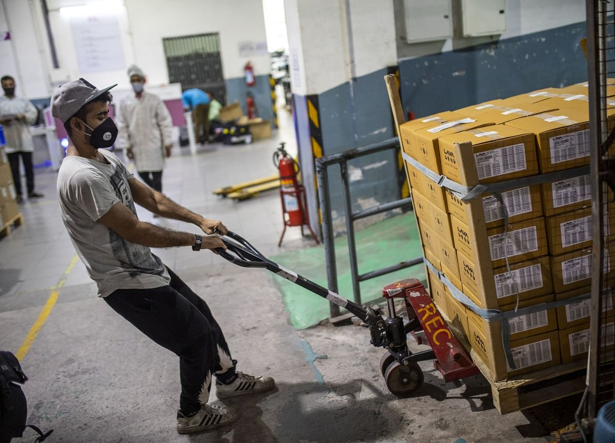 India's Services PMI Improves For Fifth Straight Month