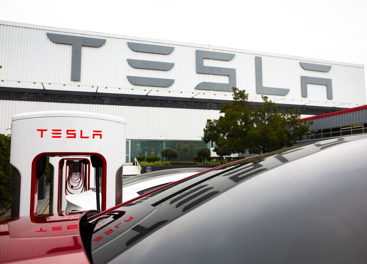 Tesla Raising Up to $5 Billion in Third Share Sale This Year