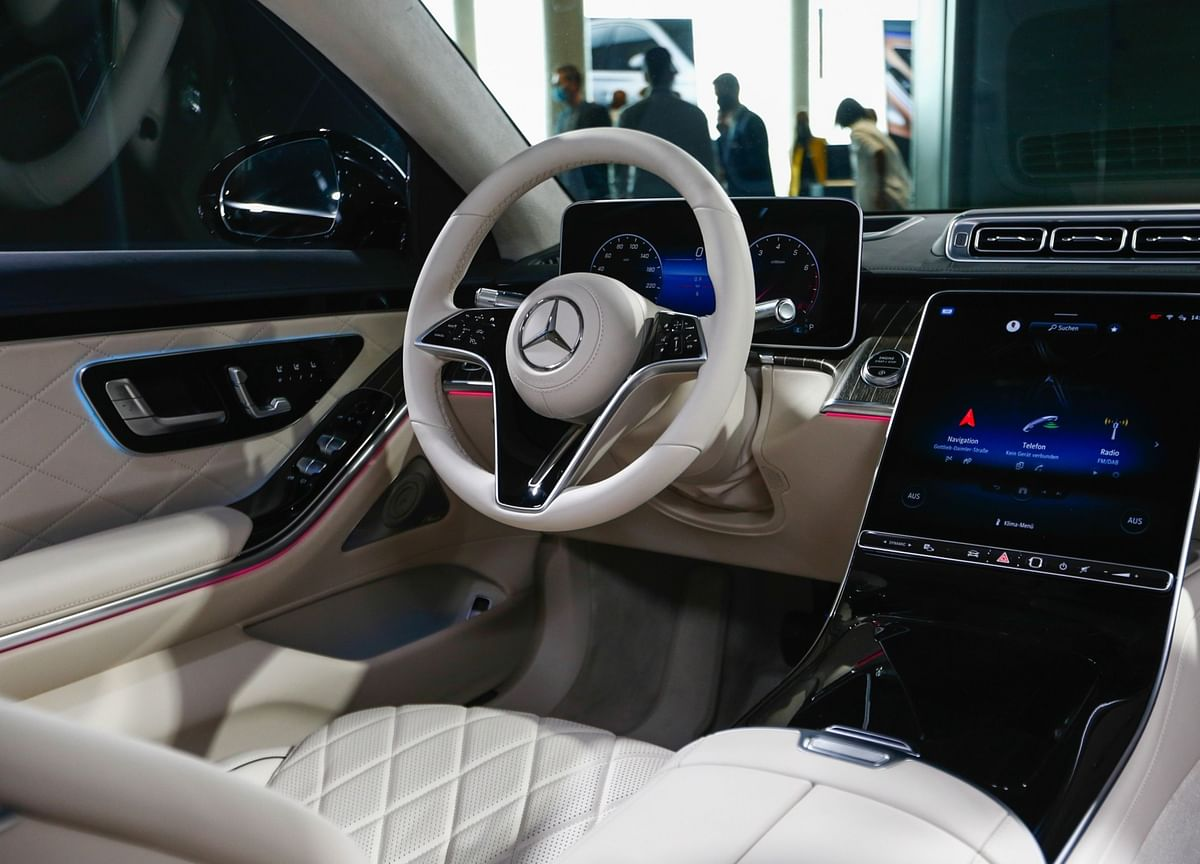 Mercedes Gives You a First-Class Drive in a Pandemic