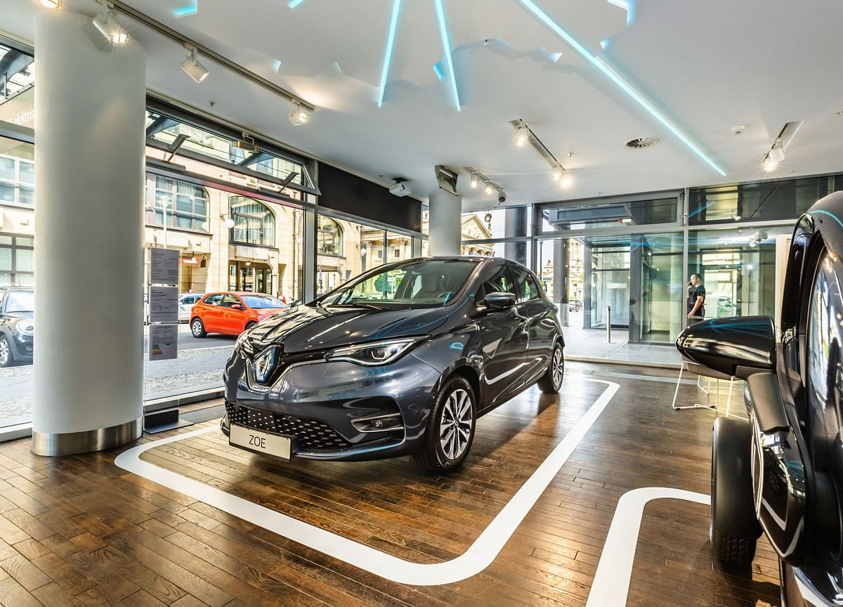 Renault Bolsters Electric-Car Lineup After Squandering Lead