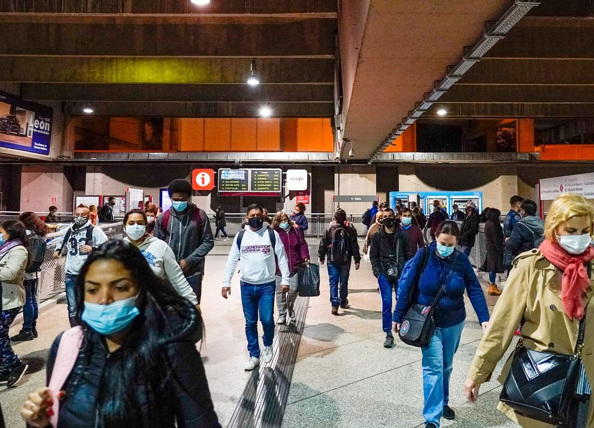 Europe Battles to Contain Virus as Court Blocks Madrid Curbs