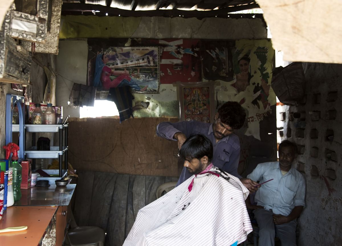 Pricey Haircuts Seen Messing Up India's Retail Inflation Outlook