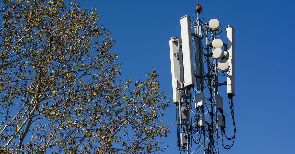 Telecom Spectrum Auction: Bids Worth Rs 77,146 Crore Received On Day 1