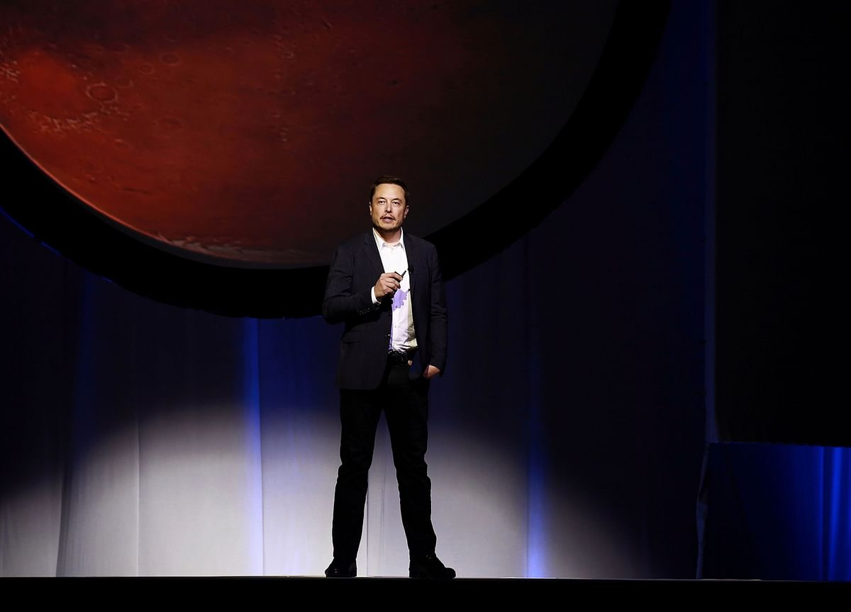 Musk Sees 'Fighting Chance' for Starship Mission to Mars in 2024