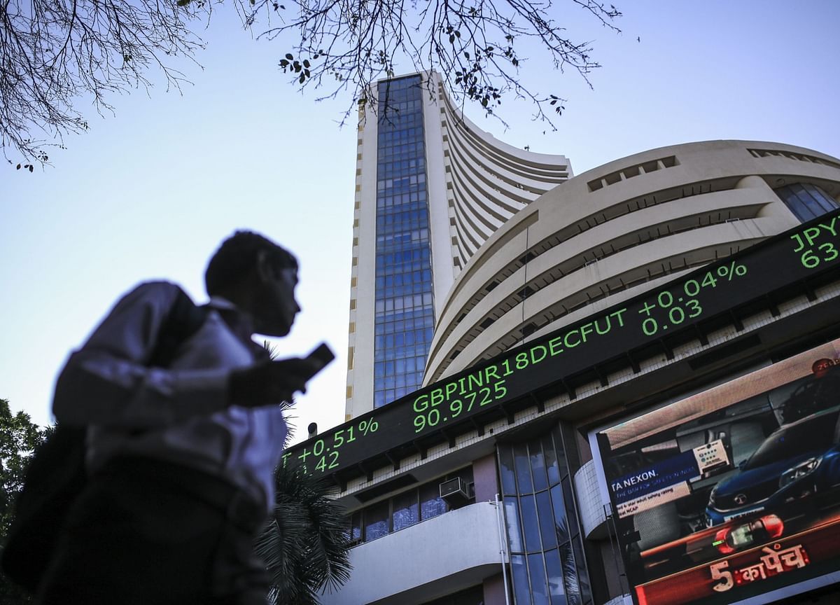 India Stocks Rise as More Restrictions on Business Are Lifted
