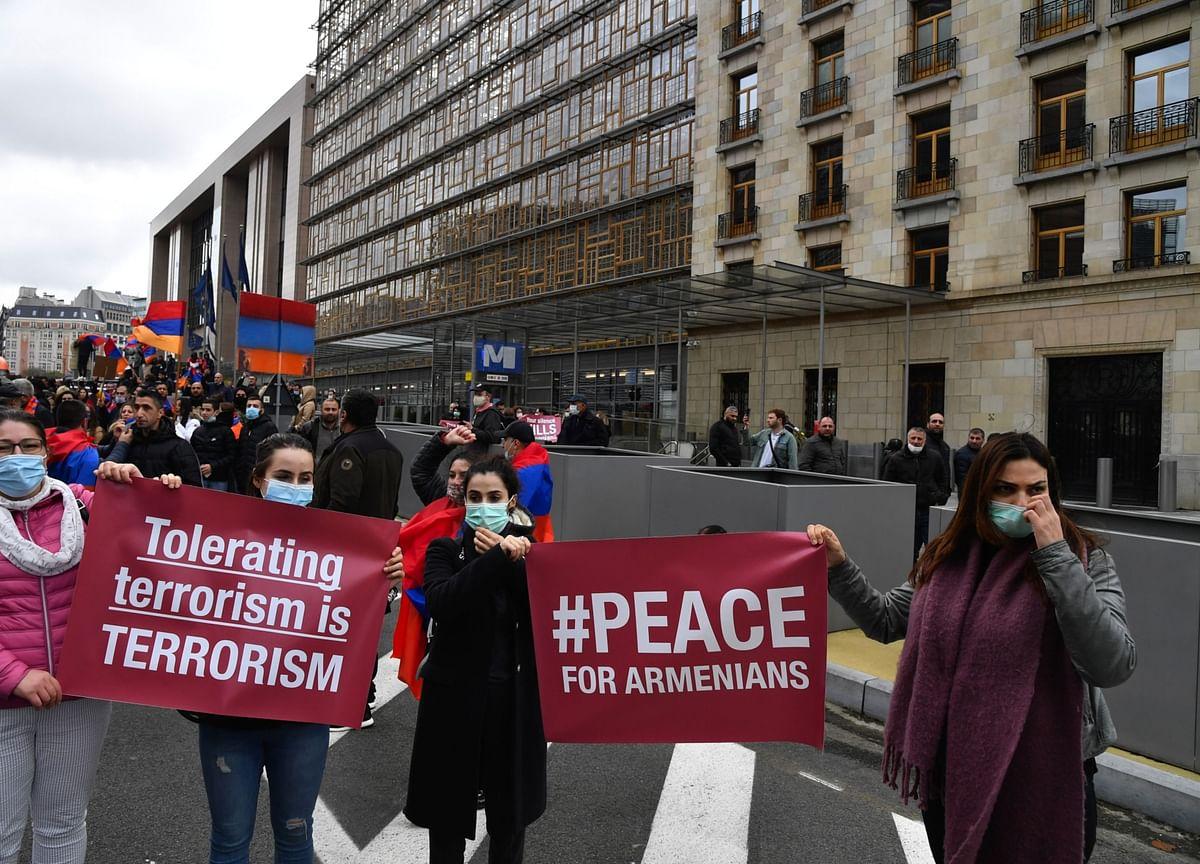 Azerbaijan, Armenia Agree to Ceasefire Starting at Midnight