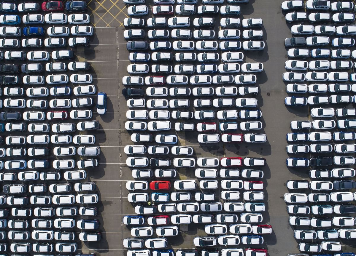 U.K. Carmakers Seek Brexit Phase-In Period to Avoid Border Mess