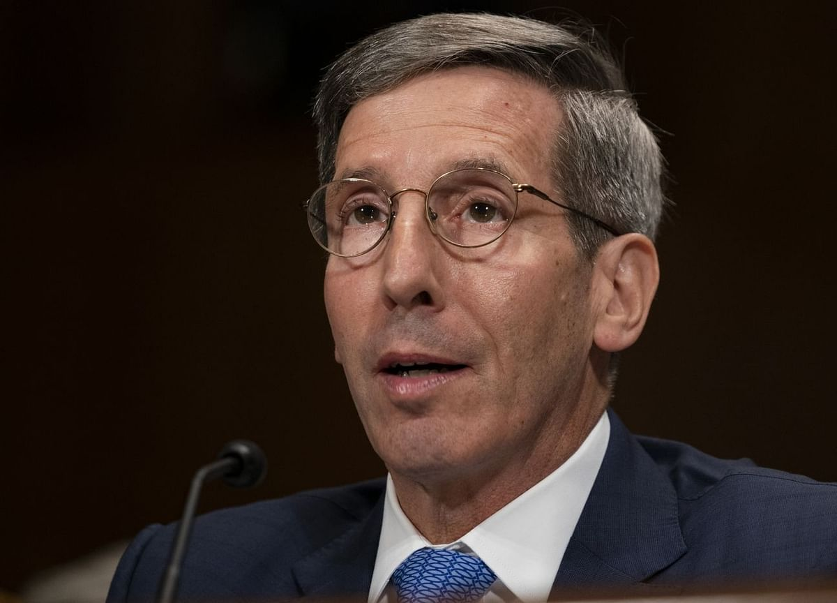 FTC Chair Issues Monopoly Warning as Facebook Decision Nears