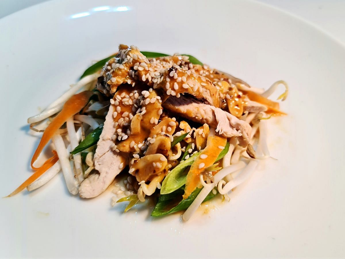 The Ivy's Bang Bang Chicken Marries Peanut Butter, Asian Flavors