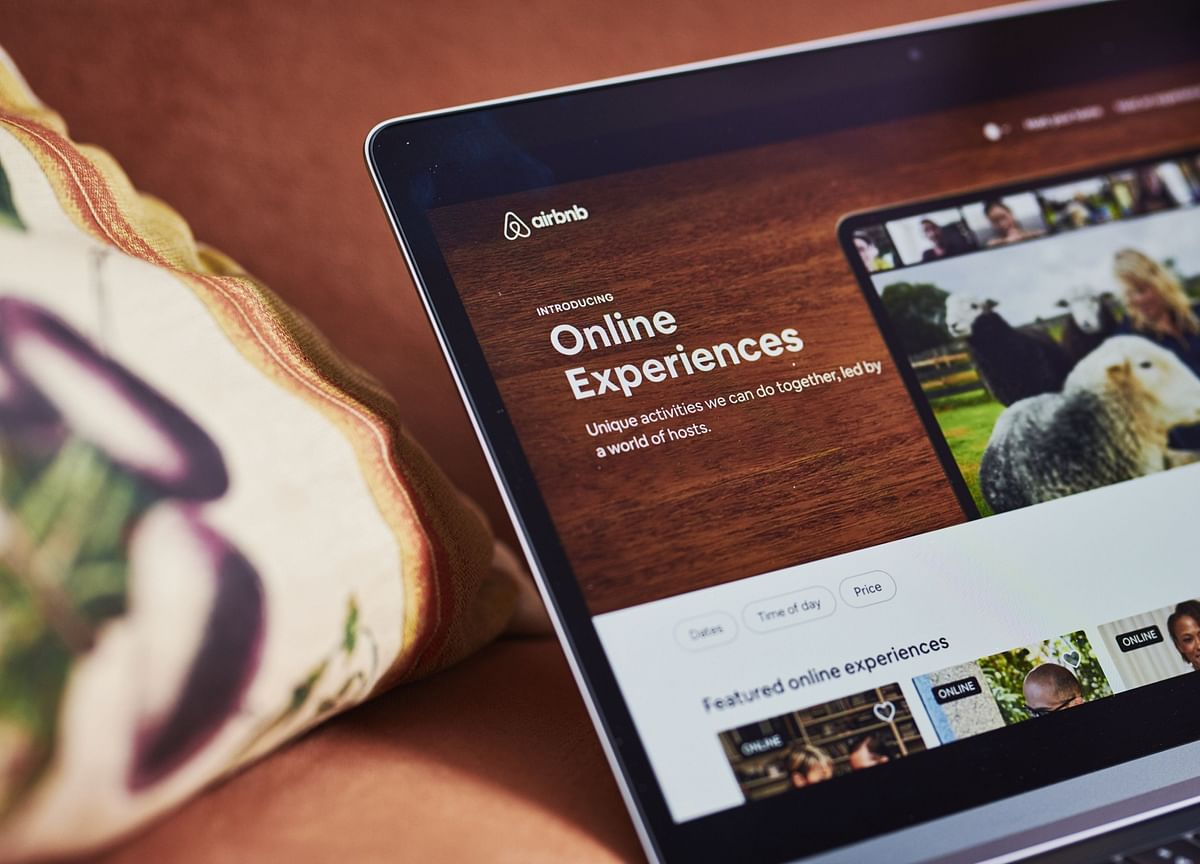 Airbnb Said to Delay IPO Filing to Distance It From Election