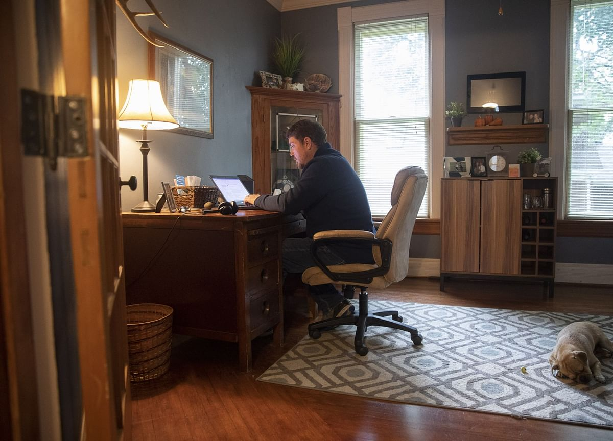 Junior Banker in Parents' Attic Shows Why Industry Is in Uproar