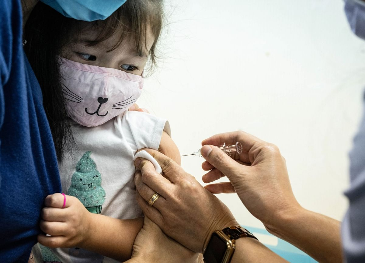 China Says 1 Million Vaccines Given; Plans Further Rollout