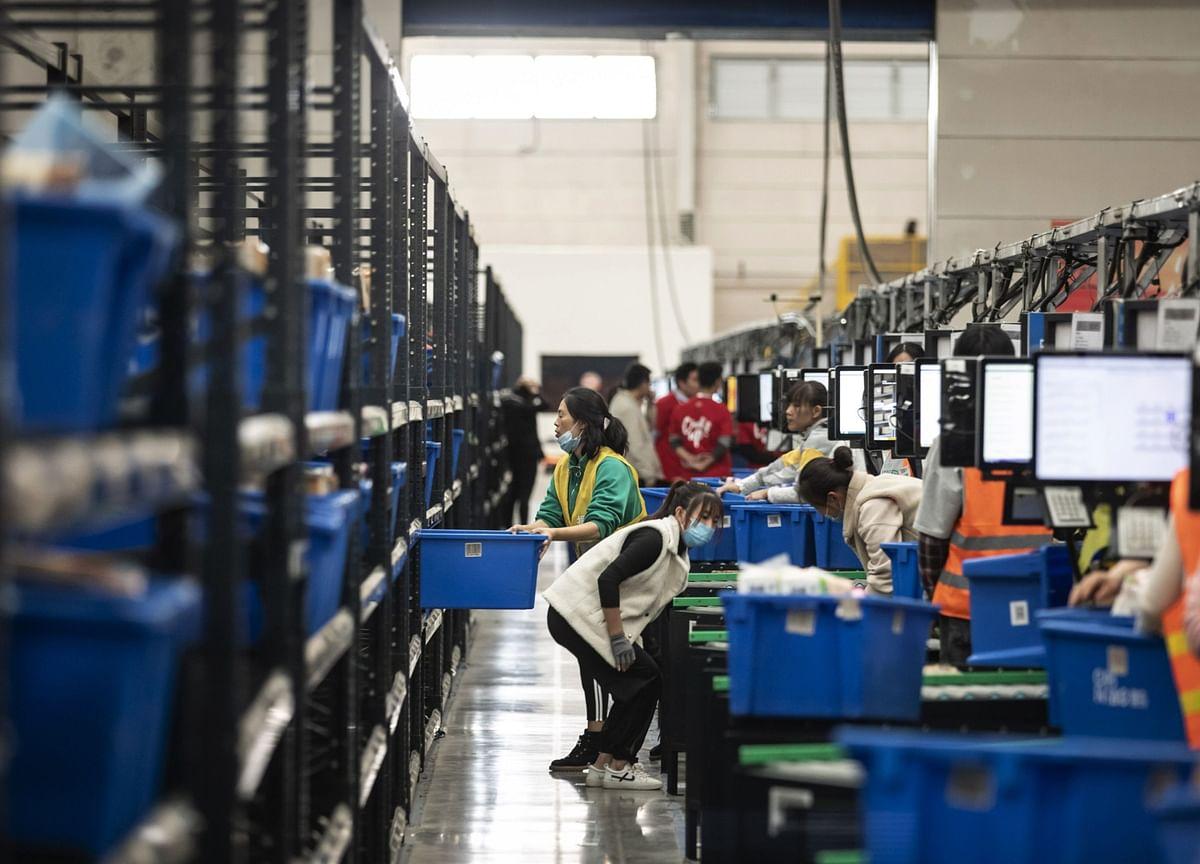 China's $900 Billion Funding Gap to Provide Clue on Stimulus