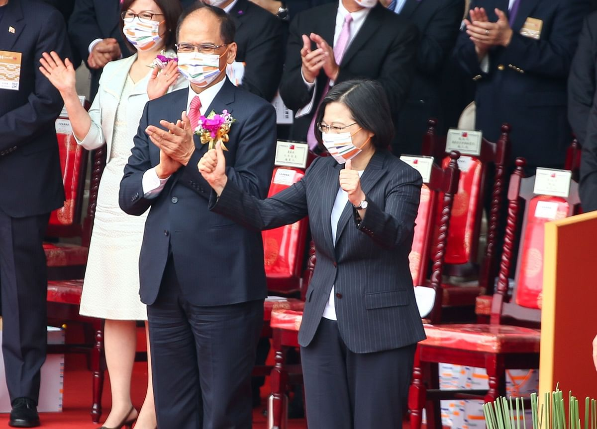 U.S., Taiwan Sign Pact to Hold Annual Economic Talks for 5 Years