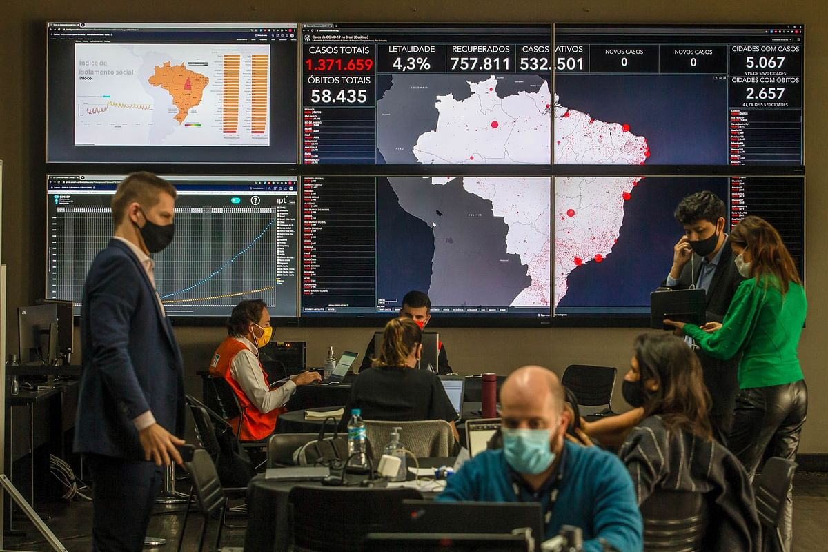 A Brazilian government crisis management center in São Paulo on June 30. Telecom firms have provided the government with data to help monitor the population to stop the spread of the virus. Photographer: Jonne Roriz/Bloomberg