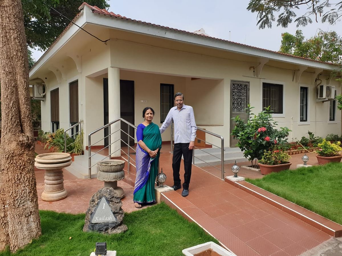 Vijayalakshmi & Shyam Viswanathan outside their villa in CovaiCare Soundaryam (Source: Shyam Viswanathan)