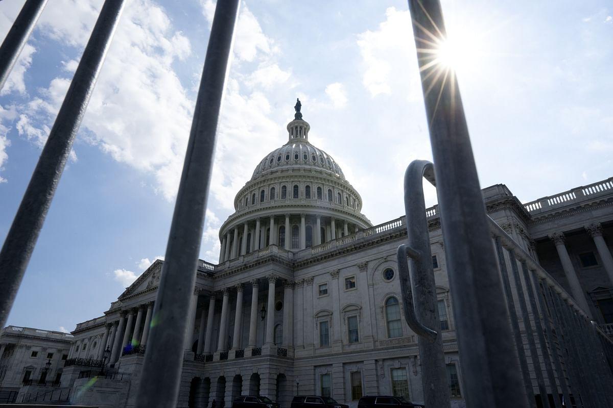 Senior Democrat Backs Consensus Virus Aid Bill: Congress Update