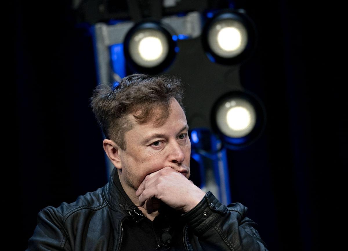 Musk Says Apple CEO Refused Talks for Tesla at $60 Billion