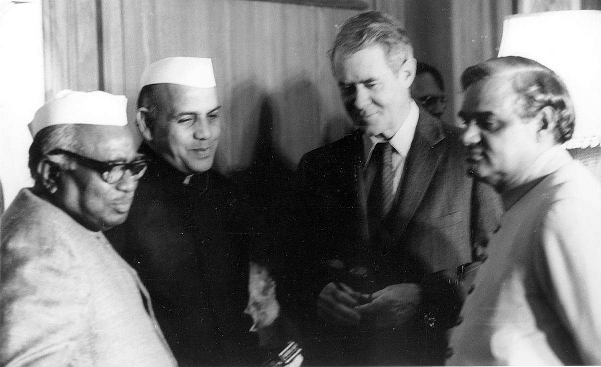 Defense Minister Jagjivan Ram with Commerce Minister Mohan Dharia, U.S. Secretary of State Cyrus Vance, and Foreign Minister AB Vajpayee, in New Delhi, on Jan. 2, 1978. (Photograph: U.S. Embassy New Delhi)