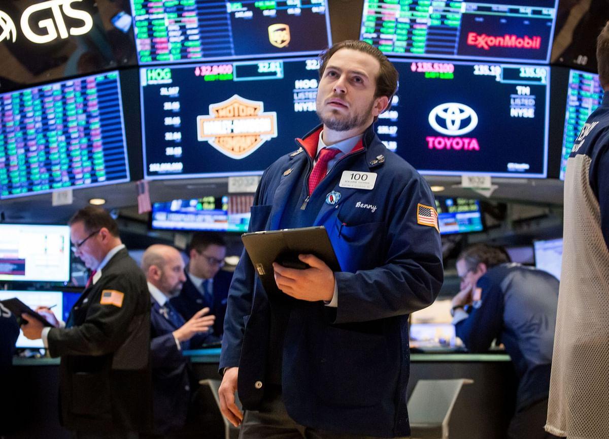 U.S. Stocks Fall for Fourth Day; Dollar Weakens: Markets Wrap