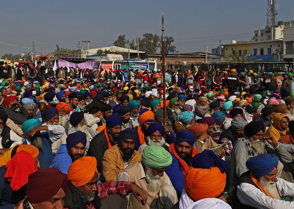 Farmers gather at a protest site in Singhu, Delhi, on Dec. 3, 2020. (Photographer: Prashanth Vishwanathan/Bloomberg)