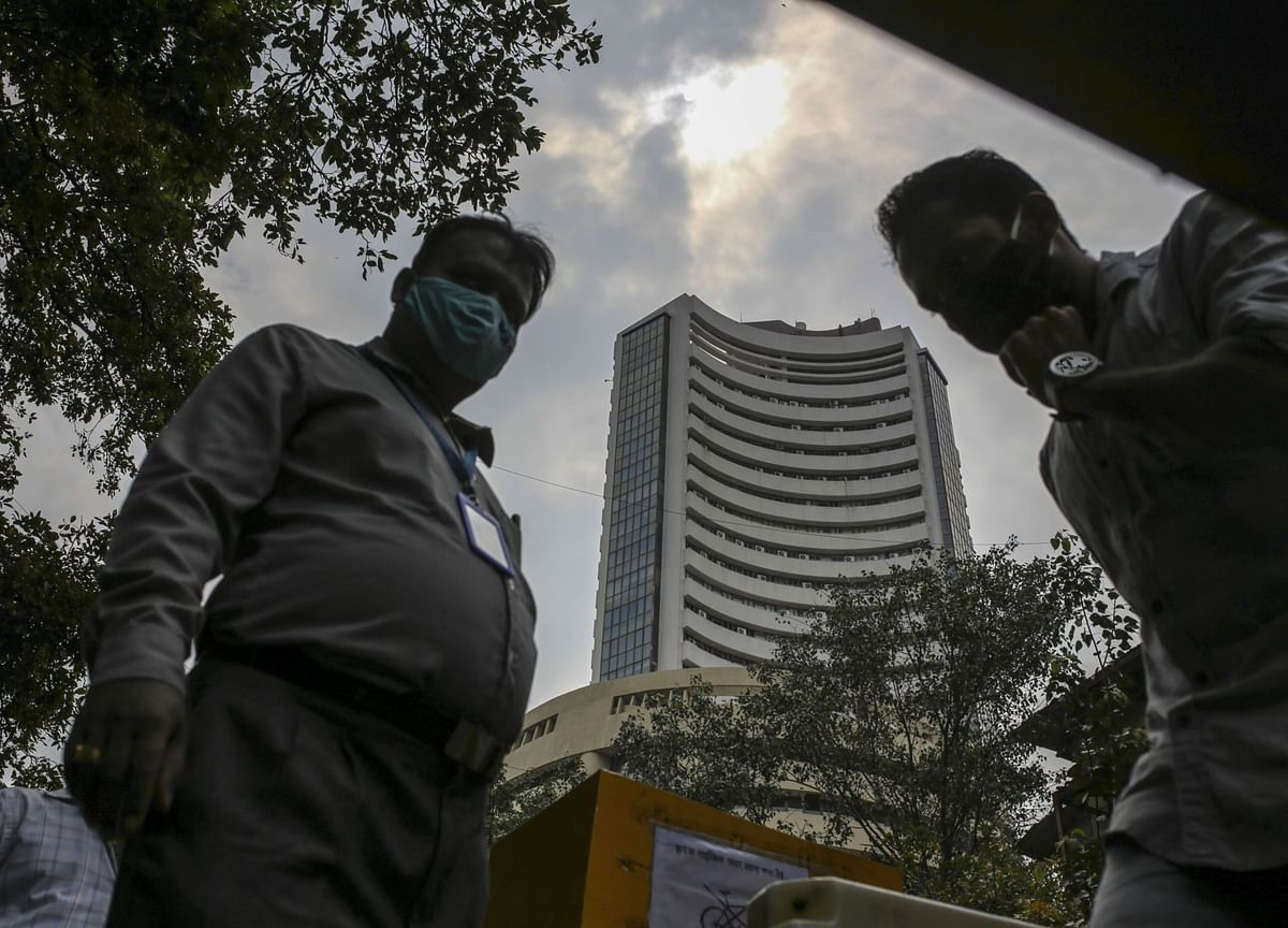 Sensex, Nifty Snap 4-Session Losing Streak; RIL, ICICI Bank Lead Gainers