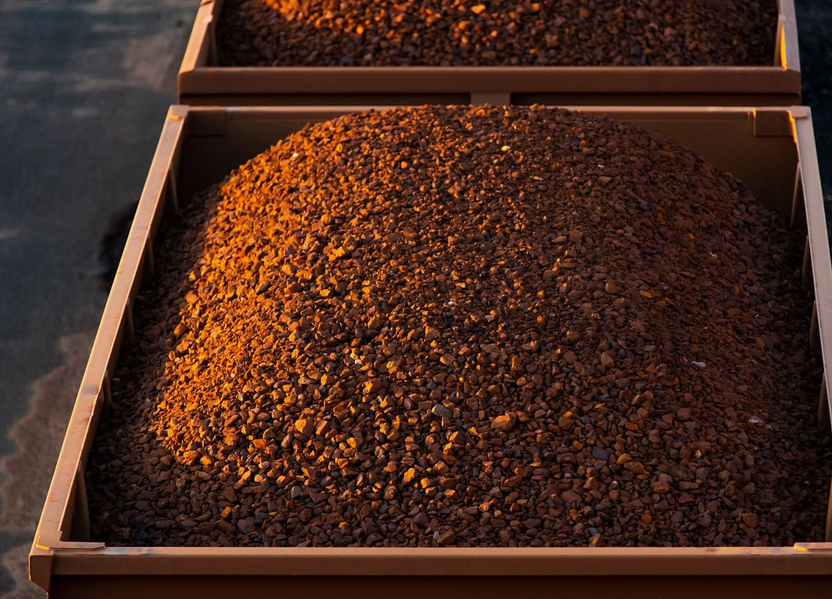 Iron Ore Rattled as Crackdown Plea From China Mills Spurs Slump