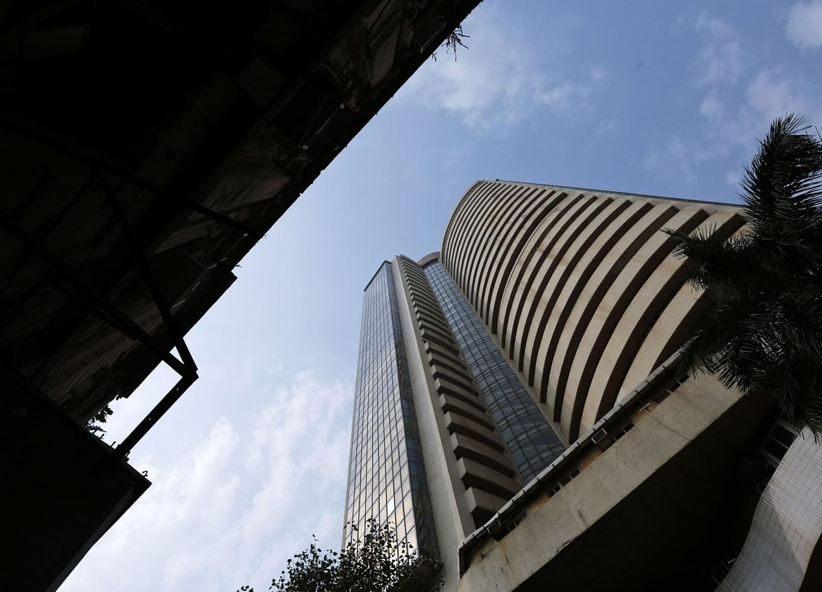 Sensex, Nifty Recover One-Third Of Monday's Fall; I.T. Outperforms