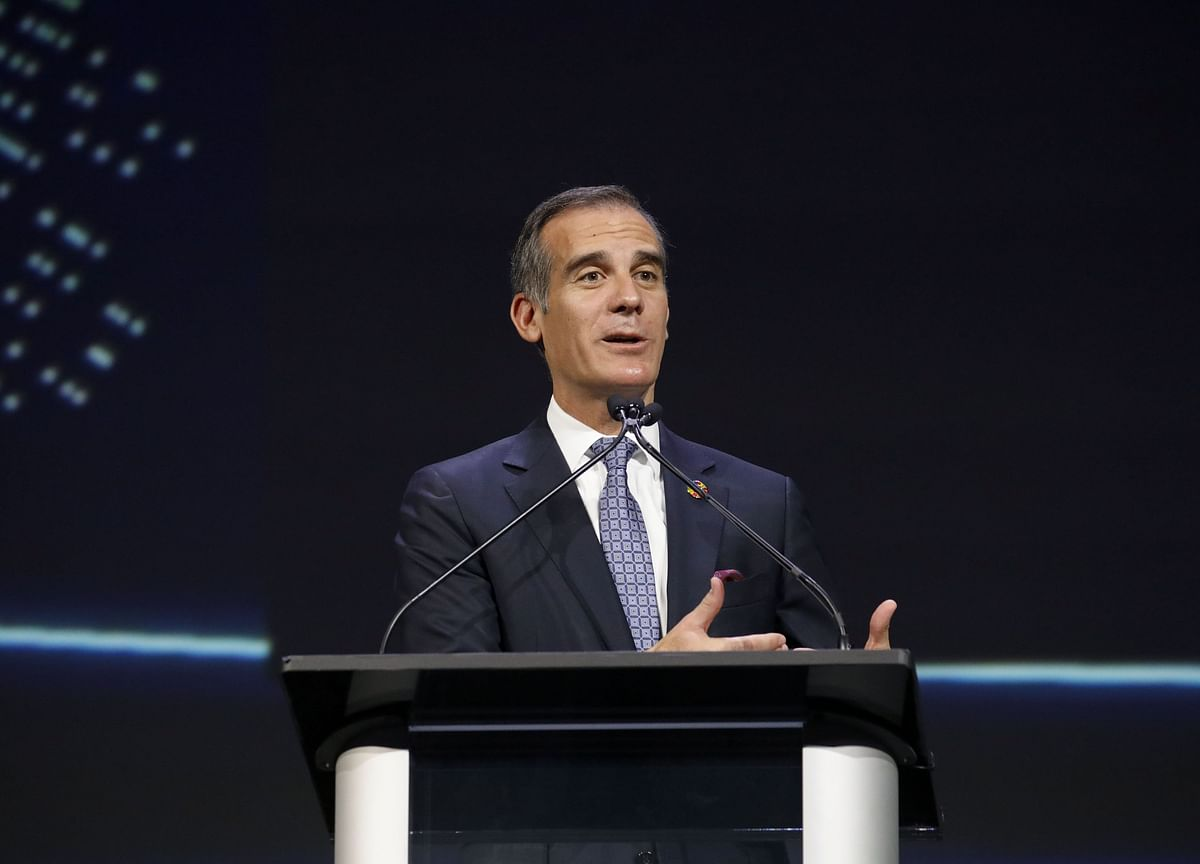 Los Angeles Mayor Issues Order for Residents to Stay Home