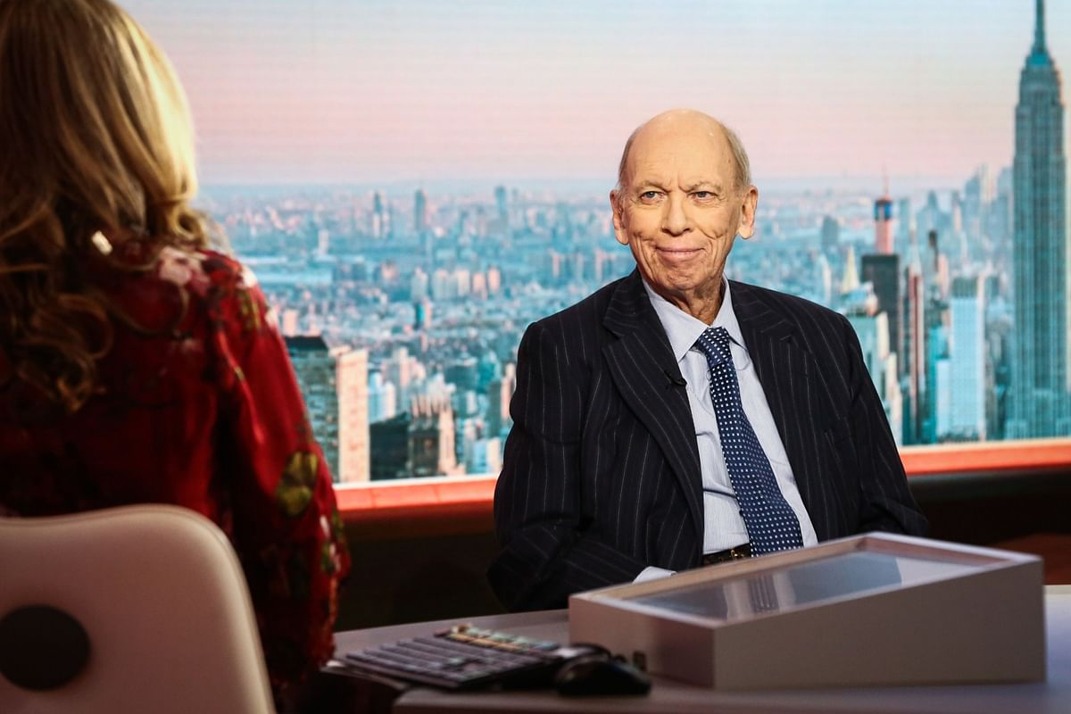 Byron Wien Says S&P 500 Will Tumble Before Rallying to 4,500