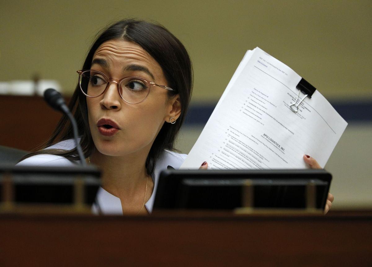 Congress Targets Stocks Mania as Ocasio-Cortez Rips Robinhood