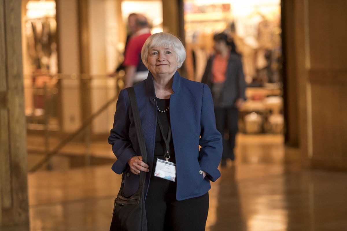 Fed's 2015 Records Show Yellen Misjudged Room for Job Gains