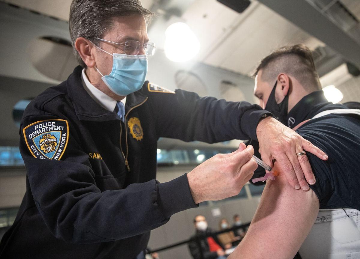 N.Y. Vaccine Shortage Eases; California Cases Slow: Virus Update