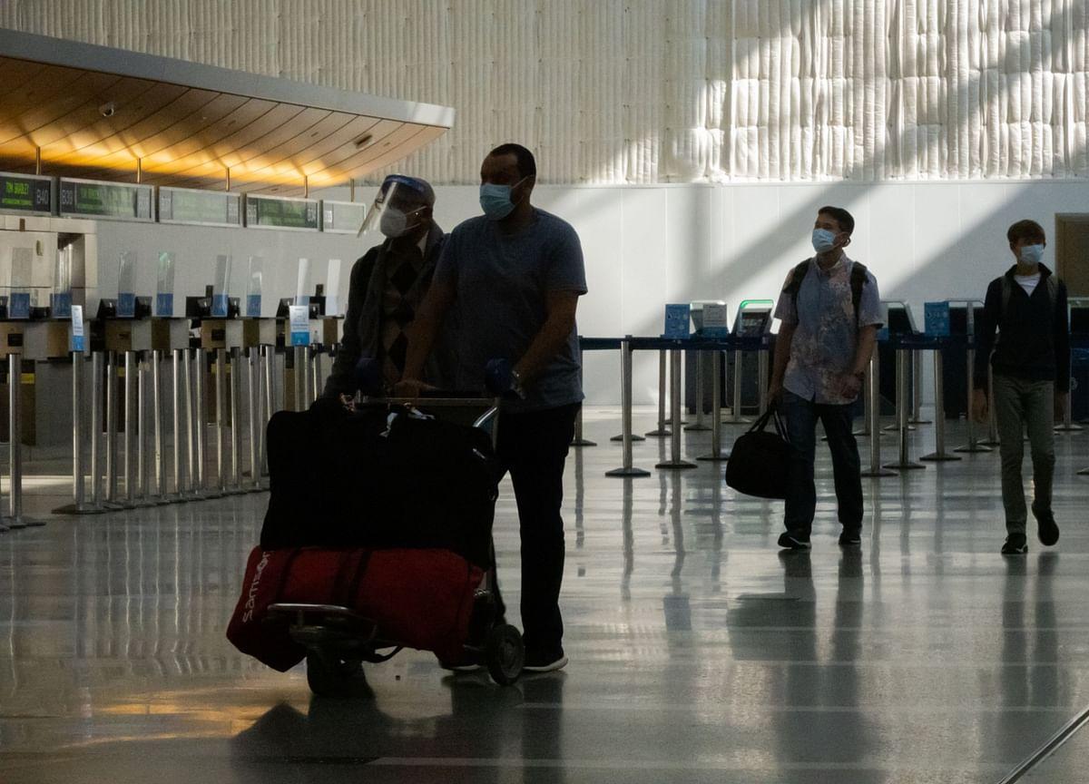 Airlines Start to Scrap U.K. Flights Following New Lockdown