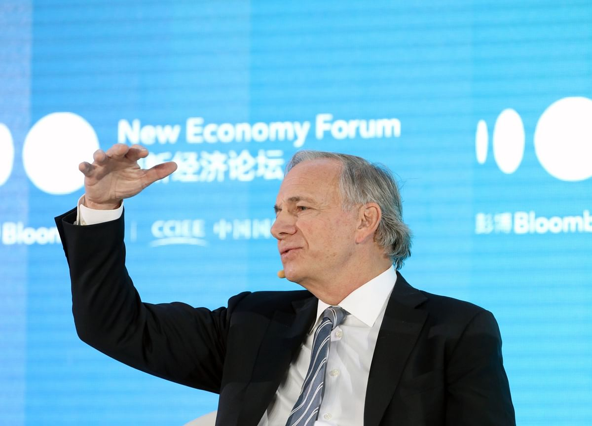 Dalio Says Inflation Heightens Risk of an Earlier Fed Rate Hike